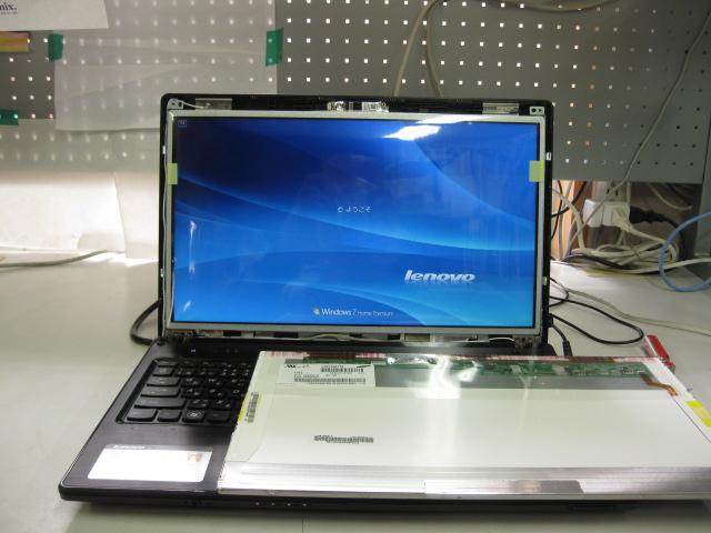 Lenovo G570液晶パネル交換