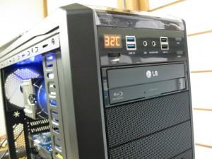 マザーボードの温度を計測して表示