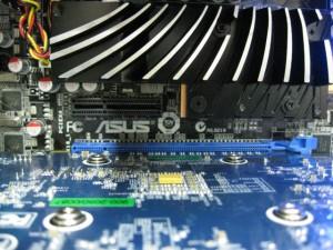 グラボはGF-GTX550Ti 1GB